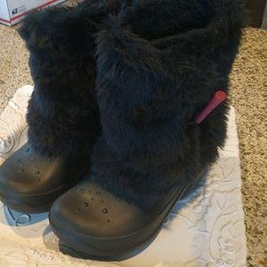 Crocs kids boots  sz 2 /4. Great condition!